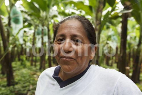 Bananenbäuerin (Ecuador, UROCAL) - lobOlmo Fair-Trade-Fotoarchiv