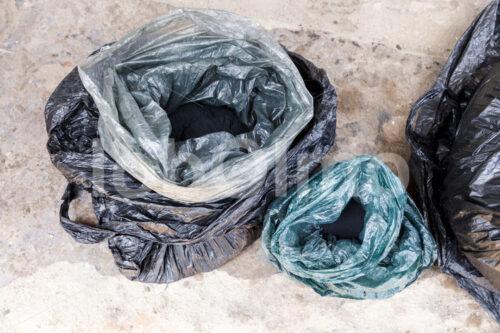 Batikfarben (Ghana, Global Mamas) - lobOlmo Fair-Trade-Fotoarchiv