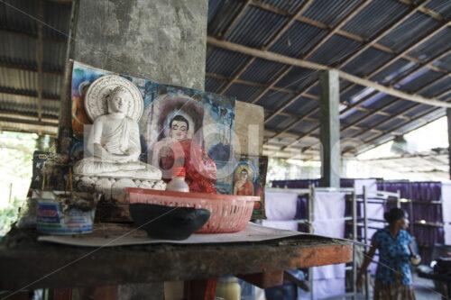 Buddhistischer Hausaltar (Sri Lanka, MAXIMUS) - lobOlmo Fair-Trade-Fotoarchiv