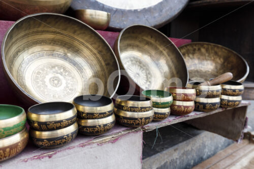 Klangschalen (Nepal, Mahaguthi, Manushi) - lobOlmo Fair-Trade-Fotoarchiv