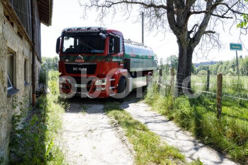 Milchlastwagen (Deutschland, Molkerei BGD) - lobOlmo Fair-Trade-Fotoarchiv