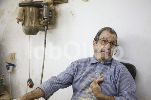 Schnitzer (Palästina, BFTA) - lobOlmo Fair-Trade-Fotoarchiv