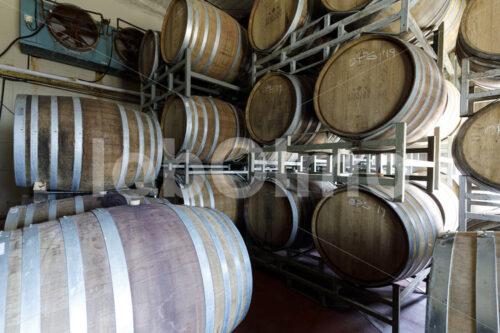 Weinfasslager (Südafrika, Stellar Organics) - lobOlmo Fair-Trade-Fotoarchiv